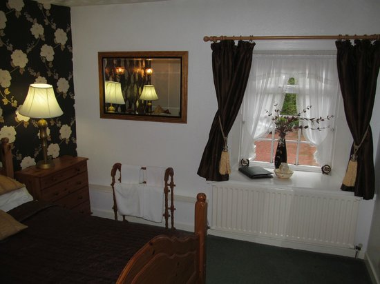 Bay Horse Inn: room with outside window