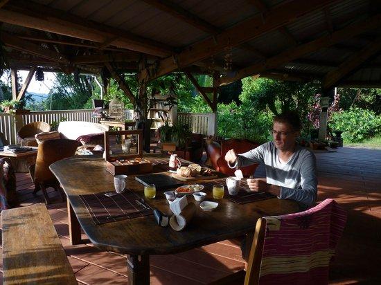 Le Relais Forestier: Terrasse, salle à manger
