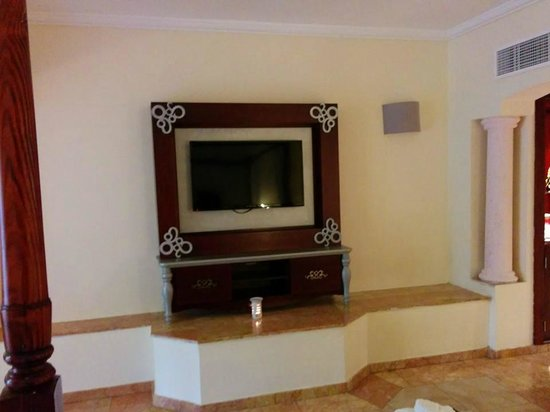Majestic Colonial Punta Cana: TV