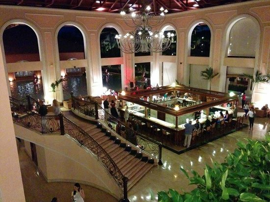 Hotel Majestic Colonial Punta Cana: Downstairs Lobby