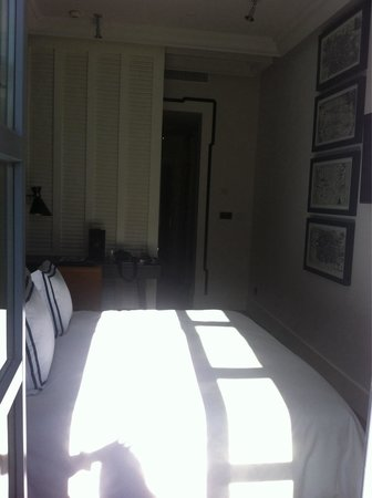 Only YOU Boutique Hotel Madrid: Chambre depuis balcon