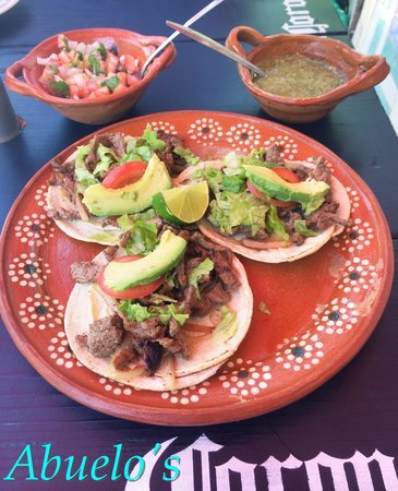 Abuelos: Beef tacos - excellent!