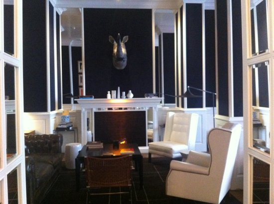Only YOU Boutique Hotel Madrid: Bar lounge