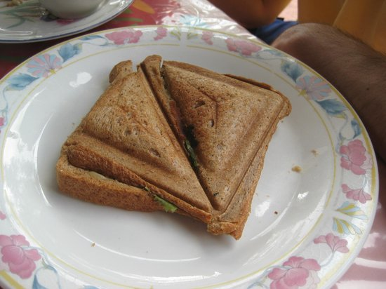 Uptown Guest House: Grilled cheese sandwiches for breakfast