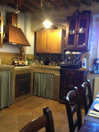 Borgo Tepolini: la stanza del breakfast