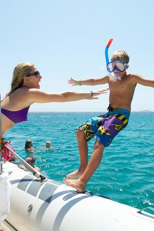 Paros Butterfly Villas: Wife taking care of son
