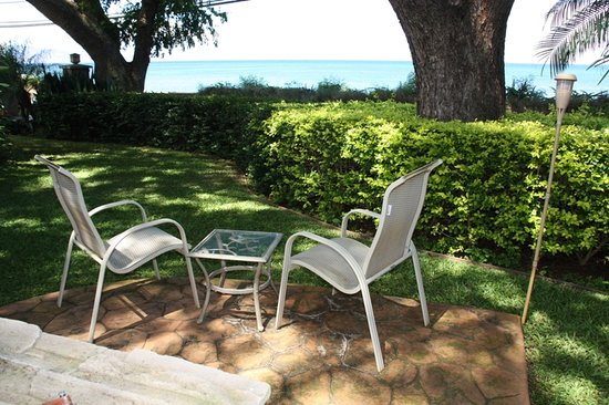 Maui Beach Ocean View Rentals, LLC: Outdoor area at Maui Beach House with seating and shower