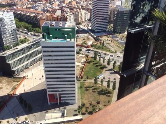Renaissance Barcelona Fira Hotel: View down from floor 27 pool/bar