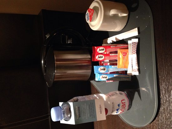 Mercure Paris Terminus Nord: Tea and coffee