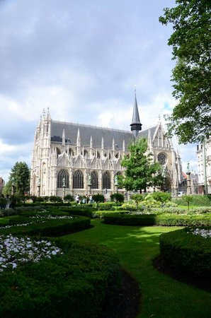 Notre Dame du Sablon : A quiet place in the city....