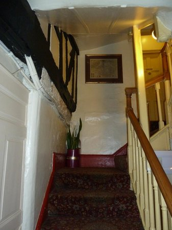 Sally Lunn's Historic Eating House & Museum : Leading to the first floor