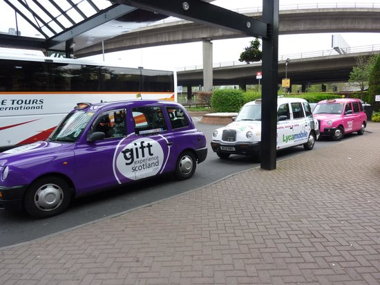 Glasgow Marriott Hotel: Cartoon taxis