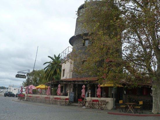 El Torreon: Frente al Río