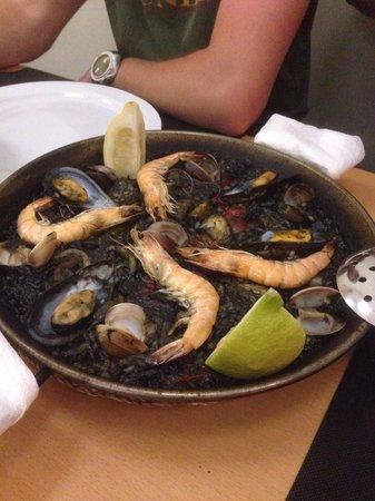 La Parrala Paella Resto Bar: Arroz negro