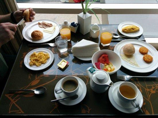 Park Plaza Sukhumvit Bangkok: Frühstück