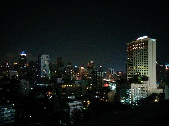 Park Plaza Sukhumvit Bangkok: Aussicht bei NAcht