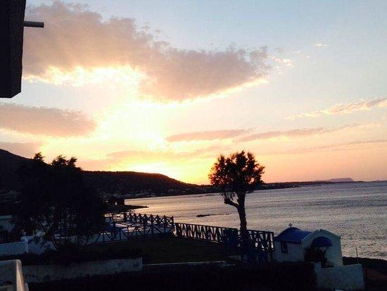 Ariadne Beach Hotel: Sundowner