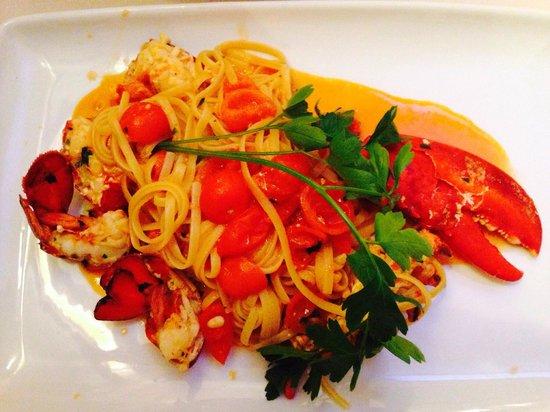 Le Tournedos : Lobster linguine.