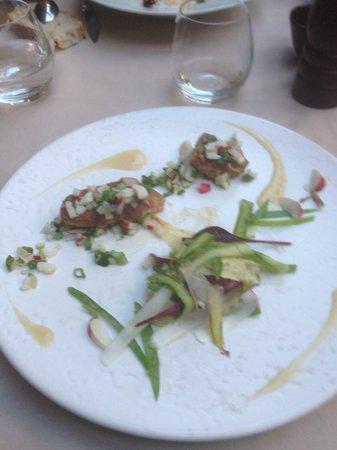 l'u.ni : pannacotta d'asperge, pickles de légumes, foie gras poêlé