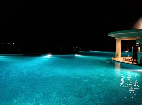 Samui Buri Beach Resort: Infinity-Pool