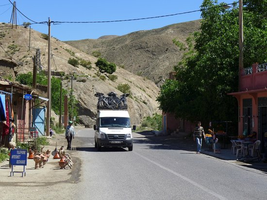 Maroc Nature: Bikes being transferred by our support vehicle