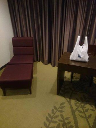 Hotel Metropolitan Sendai: エスパルと地下でつながっています。夜遅かったので大戸屋でお弁当を買いました(笑)