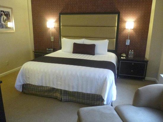 Hotel Metro: Premier King room