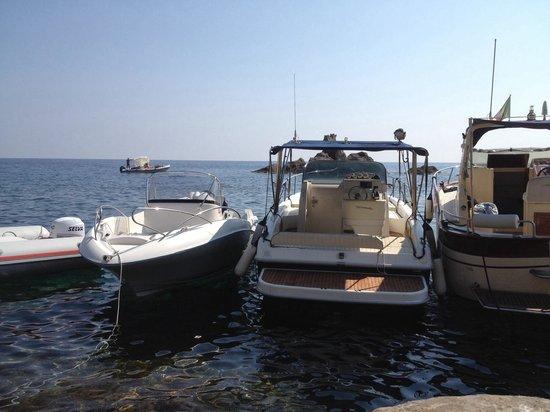Hotel Scannella: Attracco barche