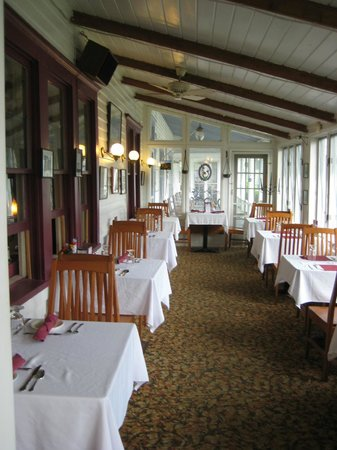 The Inn at Starlight Lake : Another Part of the Dining Room