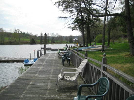 The Inn at Starlight Lake : The Lake with the Playground