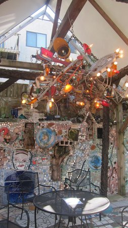 Philadelphia's Magic Gardens : Patio sitting area with the chandelier made with a collage of recycled materials.