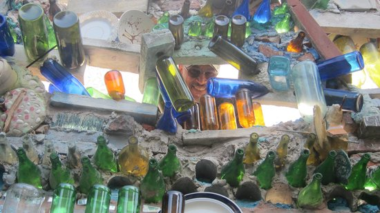 Philadelphia's Magic Gardens : Recycled bottles also incorporated into mosaic