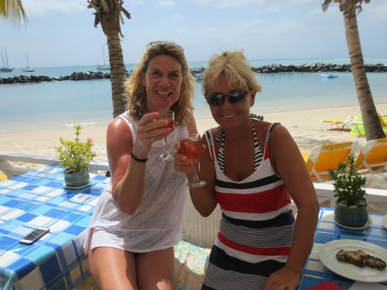 Coco Reef Tobago: Girlie lunch with a rose in hand