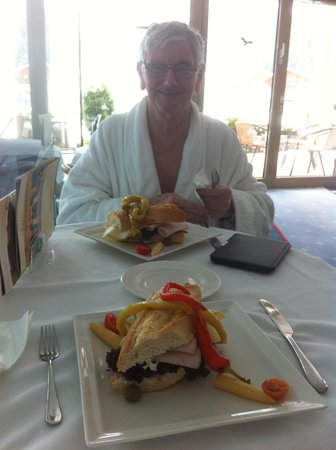 Sporthotel Strass: Lunch in the spa area