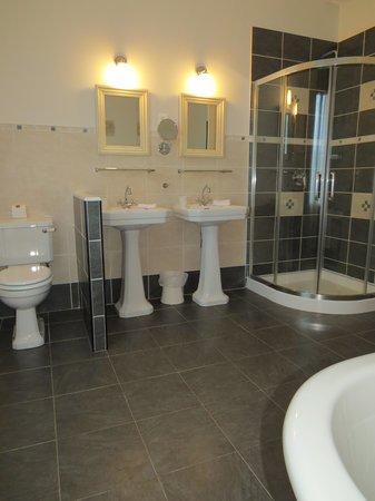 La Villa De Mazamet: bath deluxe suite