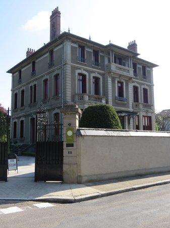 La Villa De Mazamet: exterior of house
