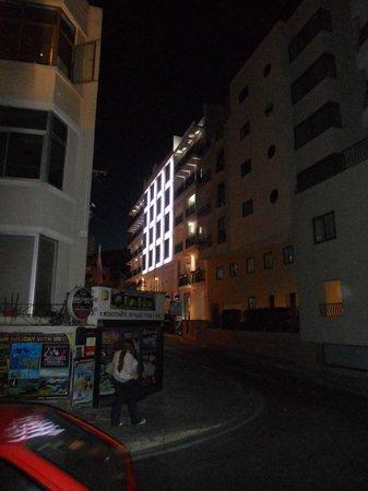 Hotel Valentina: Hotel from Knisja Street