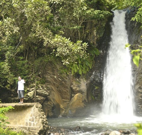 Daniel Lodge: Watet fall in moni