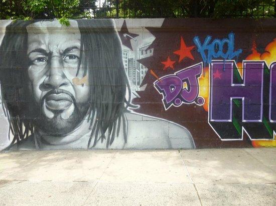 Hush Hip Hop Tours : Graffiti mural of Dj Kool Herc