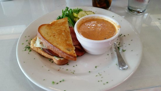 Side Door Cafe and Eden Hall: Artichoke Tomato Bisque . . . wish I had some now!