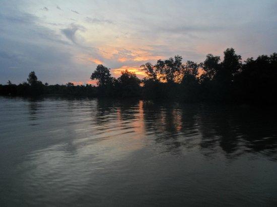 Mekong Eyes Cruise - Mekong One Day Tour: Sunrise