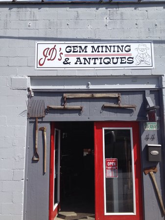 ‪JD'S Gem Mining & Antiques‬