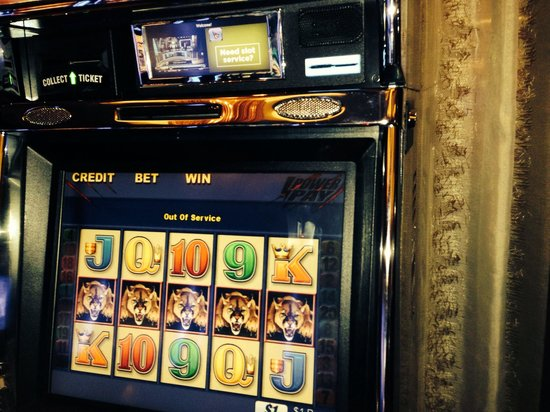 Des Plaines, IL: Slot Machine on hold , and I was told that they don't do it !!
