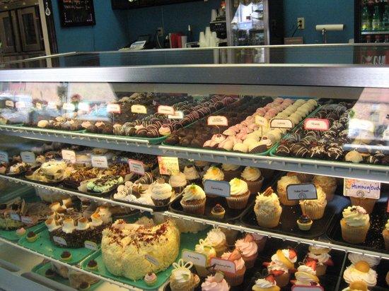 Cupcake Kitchen: Counter display