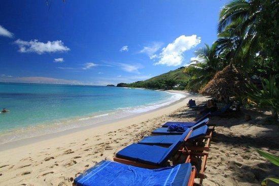 Blue Lagoon Beach Resort: Beach view looking north