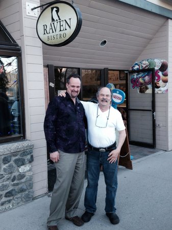 The Raven Bistro: John the owner operator was very friendly like down home we felt very comfortable and the food w