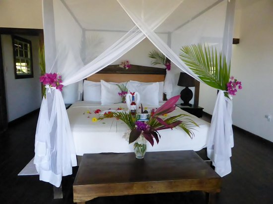 Keyonna Beach Resort Antigua: 25th anniversary room decorations