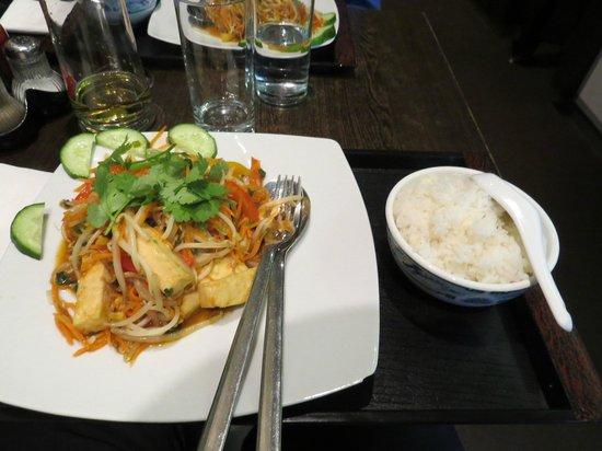 Pho 18 - Salzburg - prato com tofu