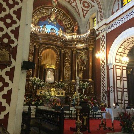Iglesia y Convento de San Francisco: Altar lateral