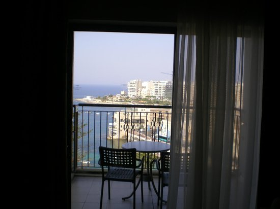 Le Meridien St. Julians: room on high floor sea view le Meridean hotel 5 star